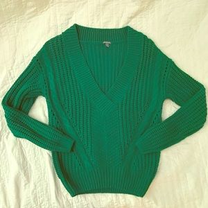 Chunky Green V-Neck Sweater SZ M NWT